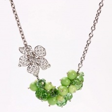 Bunch And Flower Neckstring (Green)